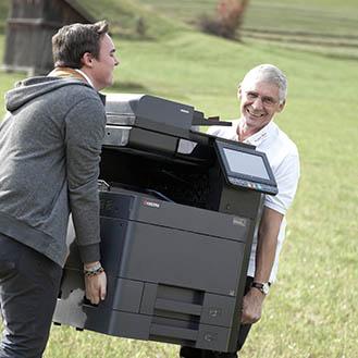 Thomas und Herbert beim Liefern